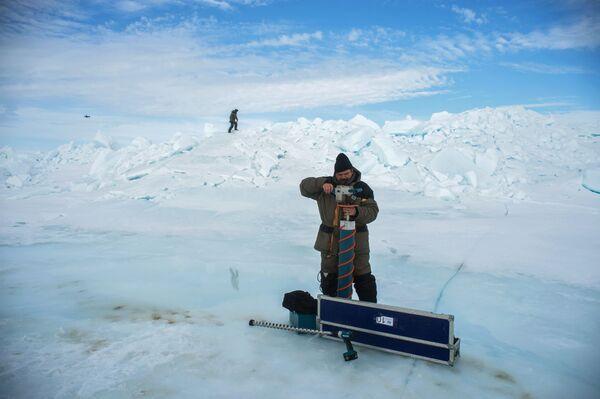 Global Warming Alert: Arctic Ice Continues to Melt Like Butter - Sputnik International