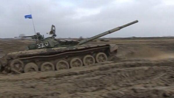 Sport Meets Armored Vehicles: Tank Biathlon 2016 - Sputnik International