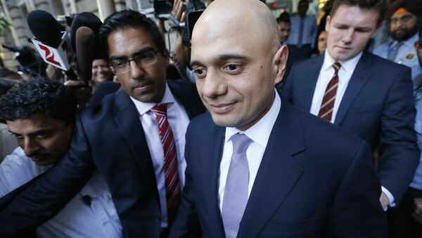 Britain's Business Secretary Sajid Javid leaves Bombay House, Tata Group head office in Mumbai, India, April 6, 2016. - Sputnik International