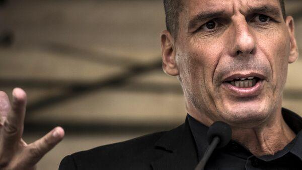 Former Greek Finance Minister Yanis Varoufakis speaks during the 43rd annual Fete de la Rose political meeting on August 23, 2015 in Frangy-en-Bresse. - Sputnik International