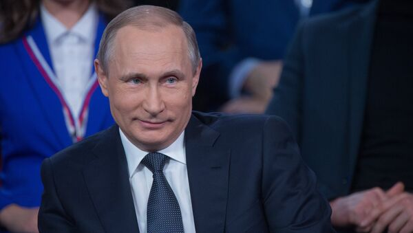 President Vladimir Putin attends Russian Popular Front's media forum, Truth and Justice - Sputnik International