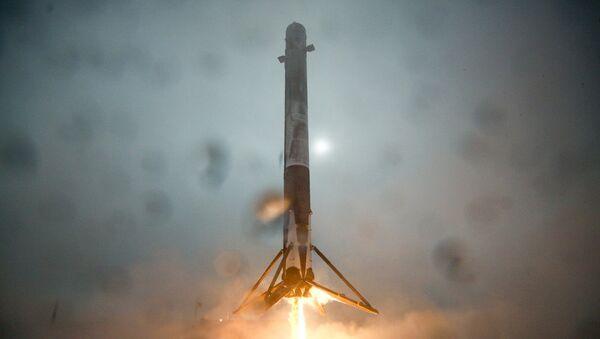 First stage of Falcon 9 rocket - Sputnik International