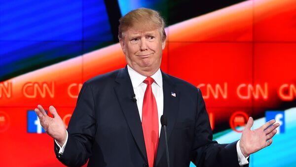 Republican presidential candidate businessman Donald Trump gestures during the Republican Presidential Debate, hosted by CNN, at The Venetian Las Vegas on December 15, 2015 in Las Vegas, Nevada. - Sputnik International