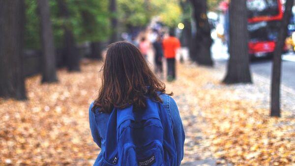 Schoolgirl in London - Sputnik International