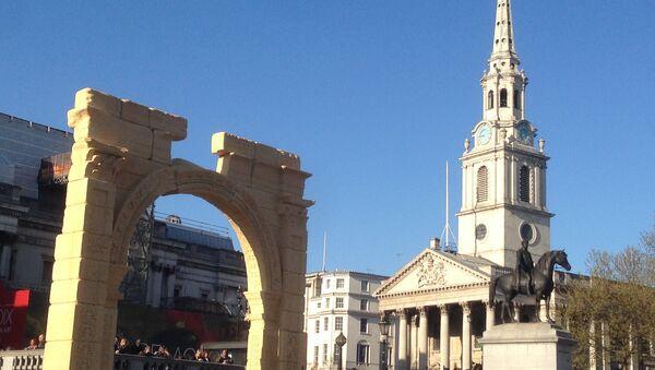Palmyra's Arch of Triumph recreated in London's Trafalgar Square. - Sputnik International