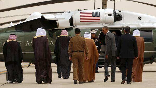 US President Barack Obama walks toward Marine One upon his arrival at King Khalid International Airport for a summit meeting in Riyadh, Saudi Arabia April 20, 2016. - Sputnik International