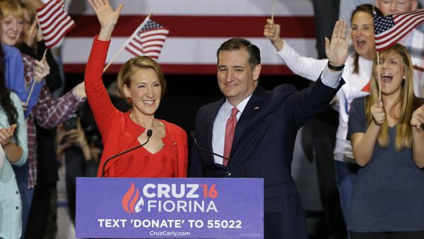 Republican presidential candidate Sen. Ted Cruz joined by former Hewlett-Packard CEO Carly Fiorina during a rally in Indianapolis. - Sputnik International