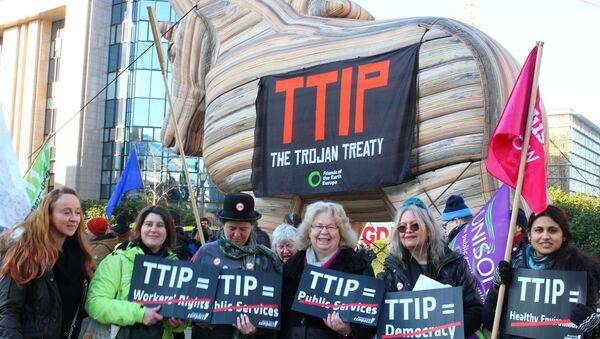 Protest Against the TTIP Trade Pact - Sputnik International