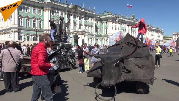 Night Wolves Mark the Start of Motorcycle Season in St Petersburg - Sputnik International