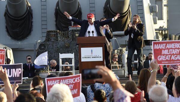 Republican presidential candidate Donald Trump gives a national security speech aboard the World War II Battleship USS Iowa, September 15, 2015, in San Pedro, California - Sputnik International