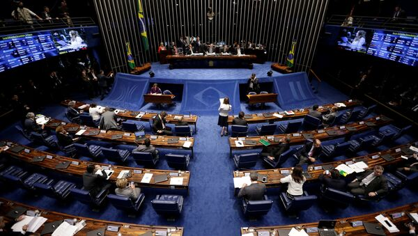Members of Brazil's Senate, in favor and against the impeachment of President Dilma Rousseff, participate in the debate leading up to the voting in Brasilia, Brazil, May 11, 2016. - Sputnik International