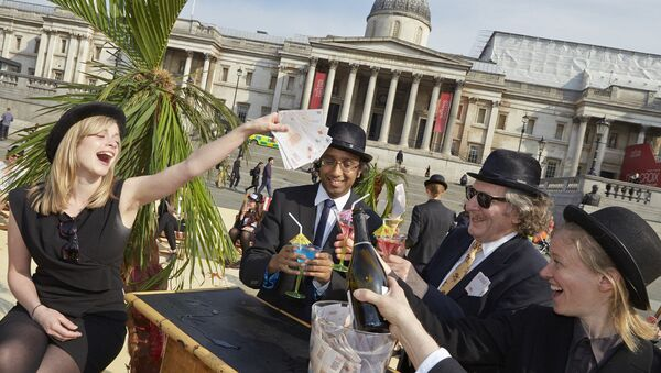 London's Trafalgar Square transformed into an interactive, tropical tax haven by Oxfam, Action Aid and Christian Aid. - Sputnik International