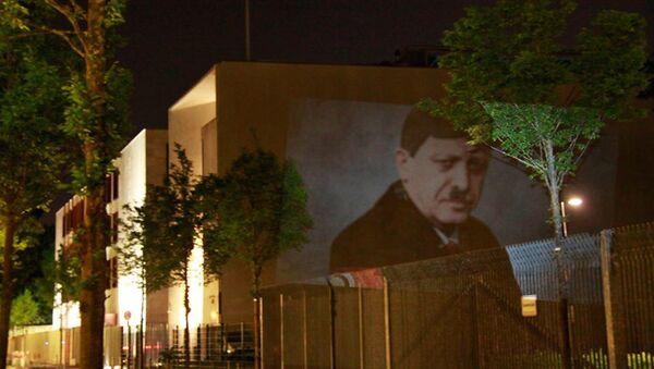 Kunst-Protest an Türkischer Botschaft in Berlin - Sputnik International