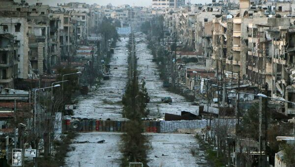A general view shows a damaged street with sandbags used as barriers in Aleppo's Saif al-Dawla district (File) - Sputnik International