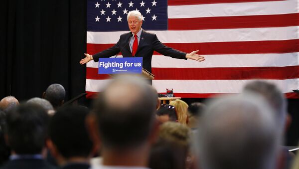 Former President Bill Clinton speaks while campaigning for his wife, Democratic presidential candidate Hillary Clinton, Friday, May 13, 2016, at Passaic County Community College in Paterson, N.J. - Sputnik International