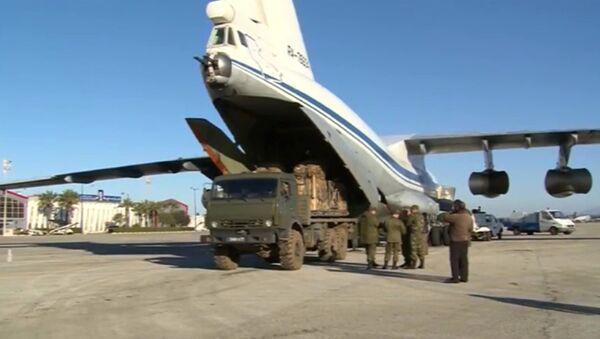 Loading humanitarian cargo for Deir ez-Zor. File photo - Sputnik International