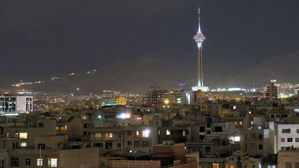 A view shows Tehran's skyline at night with the Milad tower, the sixth tallest tower in the world, Iran May 3, 2016 - Sputnik International