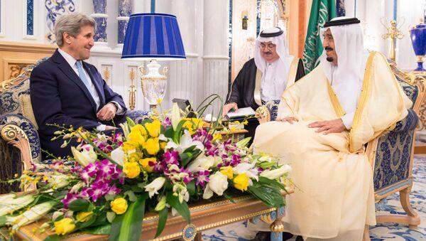 In this May 15, 2016 photo released by the Saudi Press Agency, SPA, Saudi Arabia King Salman bin Abdul Aziz, right, meets with U.S. Secretary of State John Kerry in Jiddah, Saudi Arabia - Sputnik International