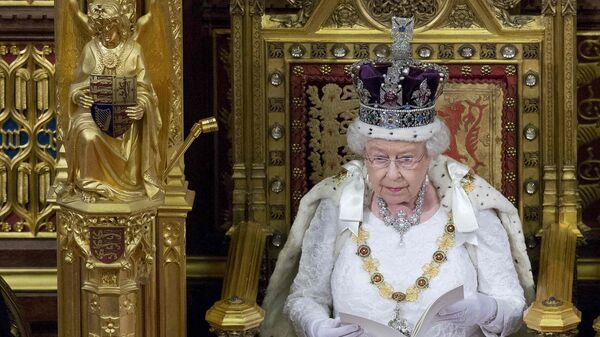 Britain's Queen Elizabeth II delivers the Queen's Speech during the State Opening of Parliament in central London, on May 18, 2016 - Sputnik International