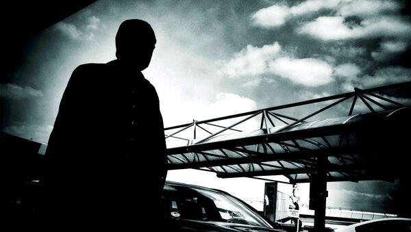 Silhouette of a man at Berlin Tegel Airport - Sputnik International