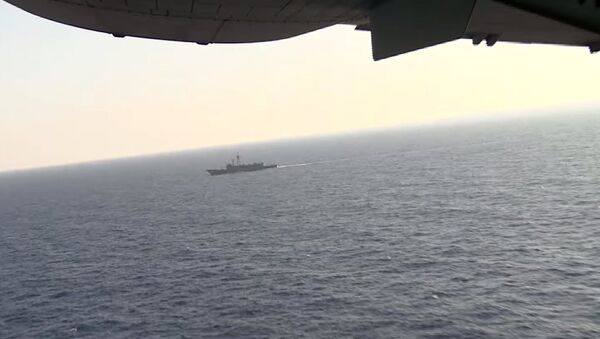 Egyptian plane and ship search in the Mediterranean Sea for the missing EgyptAir flight 804 plane which crashed after disappearing from radar early Thursday morning while carrying 66 passengers and crew from Paris to Cairo - Sputnik International