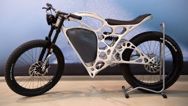 A Light Rider motorcycle printed in 3D technique by APWorks, a subsidiary of the Airbus Group, is presented on May 20, 2016 in Ottobrunn near Munich, southern Germany - Sputnik International