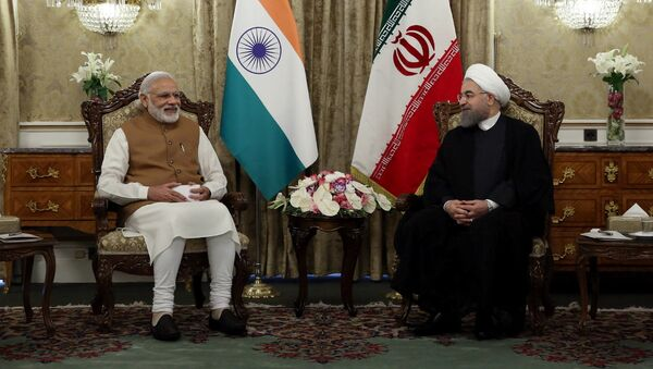 Iran's President Hassan Rouhani (R) meets India's Prime Minister Narendra Modi in Tehran, Iran May 23, 2016. - Sputnik International