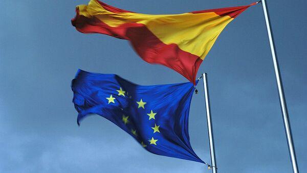 Spanish and EU flags - Sputnik International