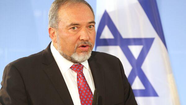 Avigdor Lieberman speaks during a press conference after meeting with his German counterpart on June 30, 2014 in Berlin. - Sputnik International