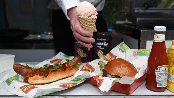 British pub giant launches burger and hot dog flavoured ice creams - Sputnik International