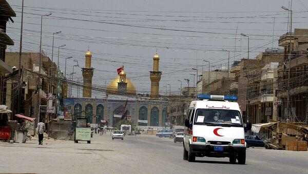 An ambulance drives in the city of Karbala, south of Baghdad. (File) - Sputnik International