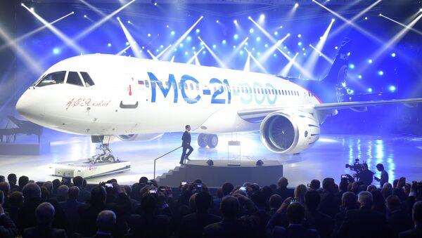 June 8, 2016. Russian Prime Minister Dmitry Medvedev takes part in a presentation of MC-21-300 mid-range aircraft at the Irkutsk Aircraft Plant (Irkut Corporation). - Sputnik International