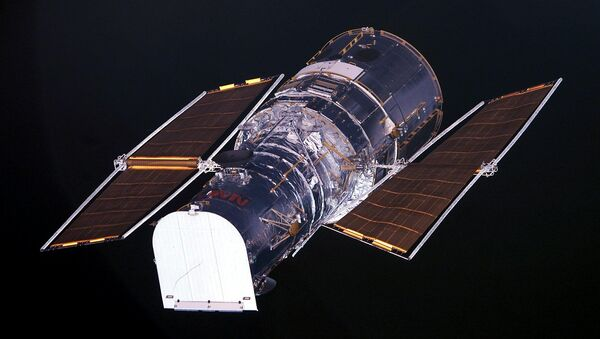 The Hubble Space Telescope as seen from the US space shuttle Columbia (file) - Sputnik International