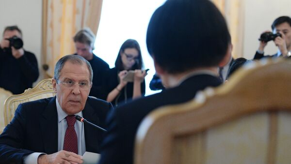 Russian Foreign Minister Sergei Lavrov meets with his South Korean counterpart Yun Byung-se. - Sputnik International