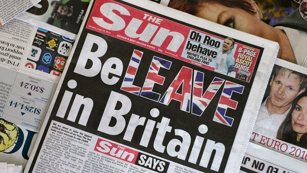 An arrangement of newspapers pictured in London on June 14, 2016 shows the front page of the Sun daily newspaper with a headline urging readers to vote 'Leave' in the June 23 EU referendum. - Sputnik International