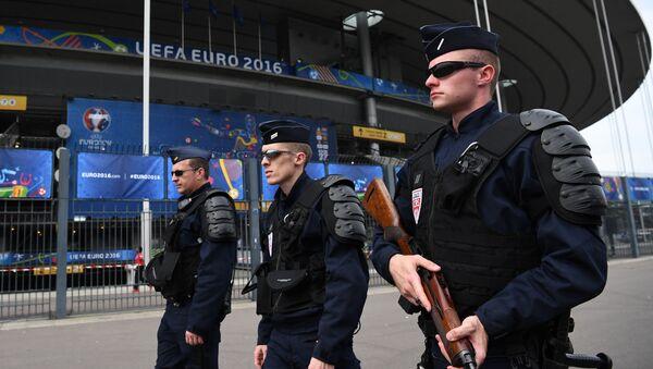 Officers of the French national police patrol - Sputnik International