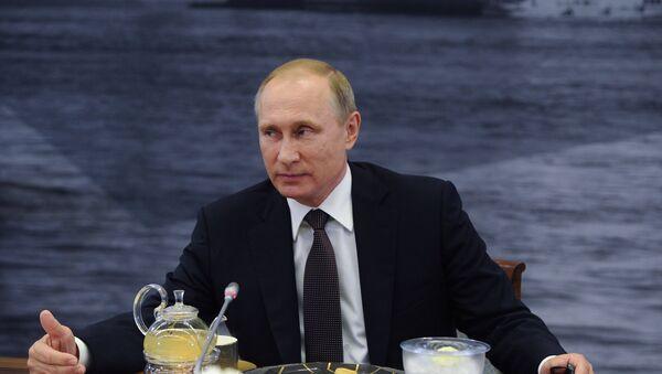 President Putin meeting with heads of leading international news agencies on Friday, 17.06.2016, St. Petersburg - Sputnik International