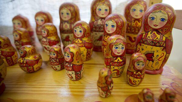 A Russian matrioshka dolls displayed in the Cultural-Entertainment Complex Kremlin in Izmailovo - Sputnik International