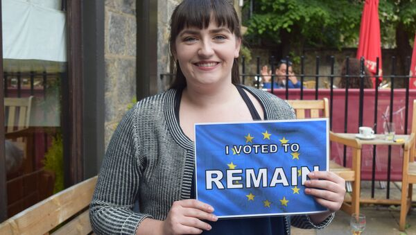 I vote Remain because I'm more in favor of love, peace and harmony than just splitting things up and not being very nice. Simple! - a voter in Edinburgh, Scotland. - Sputnik International
