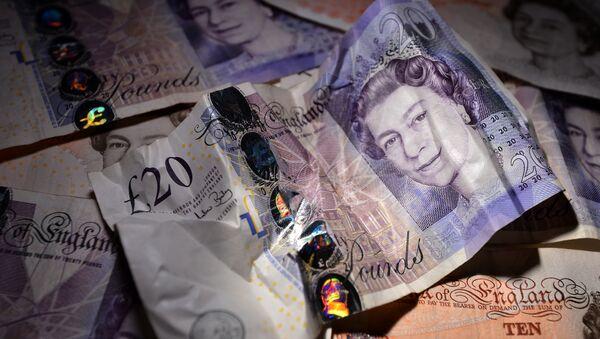 Arrangement of British 10 and 20 pound bank notes - Sputnik International