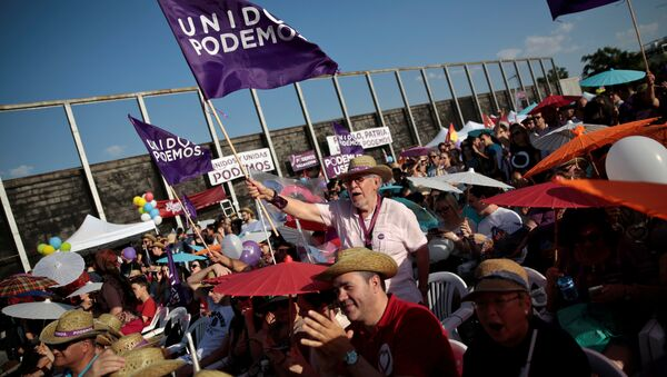 Supporters of the coalition Unidos Podemos (Together We Can) attend the last campaign rally for Spain's upcoming general election in Madrid, Spain, June 24, 2016 - Sputnik International