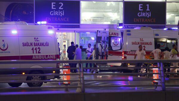 Ambulance cars arrive at Turkey's largest airport, Istanbul Ataturk, Turkey, following a blast June 28, 2016. - Sputnik International