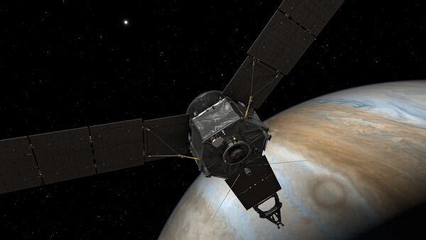 Artist's concept of the Juno spacecraft at Jupiter - Sputnik International