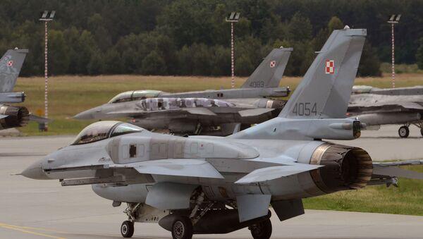 Polish F-16 fighter jets - Sputnik International