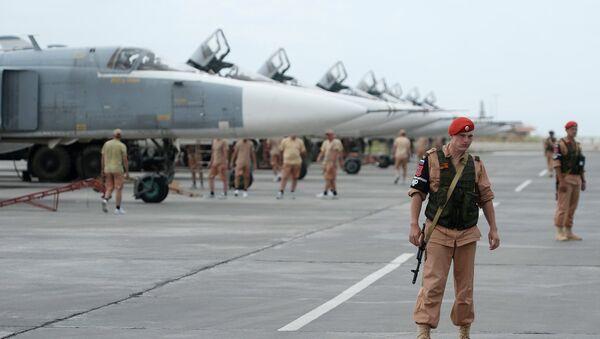 Russian servicemen at the Hmeymim airbase in Syria. File photo - Sputnik International