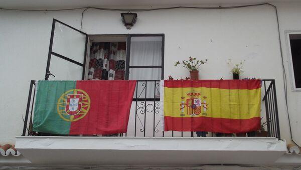 Portugal and Spain flags - Sputnik International