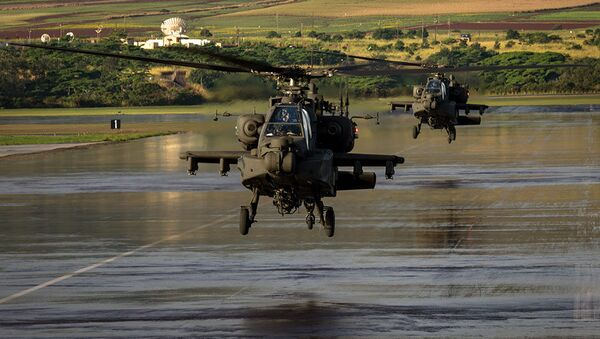 Aircrews, from 16th Combat Aviation Brigade and their AH-64E Apache Guardians - Sputnik International