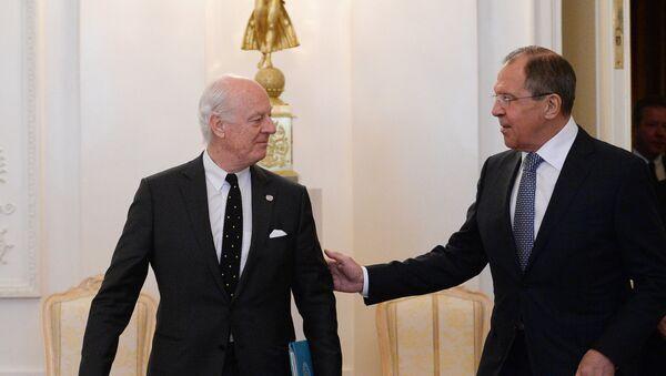 Russian Foreign Minister Sergei Lavrov meets with UN Special Envoy for Syria Staffan de Mistura (File) - Sputnik International