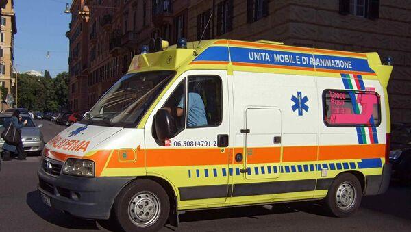 Italian Red Cross  ambulance - Sputnik International