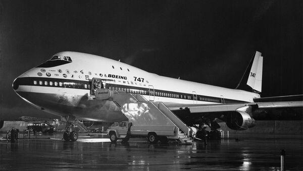 Boeing 747 - Sputnik International